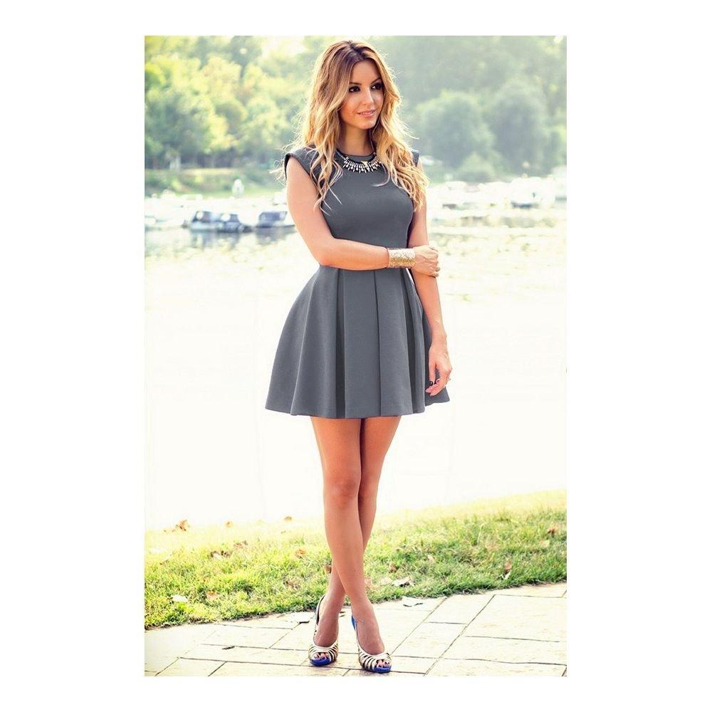 01ed37099a Rozkloszowana nowoczesna sukienka - cena