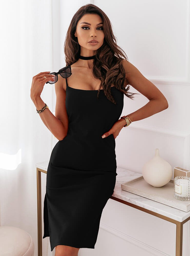 Czarna dopasowana sukienka na ramiączkach Lissy