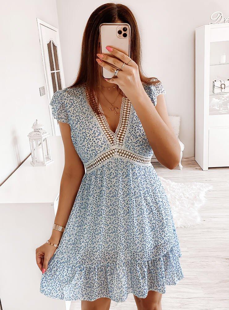 Błękitna wzorzysta sukienka Pianna