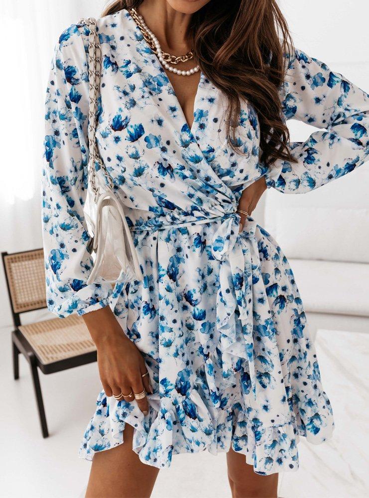 Sukienka z przekładanym dekoltem...
