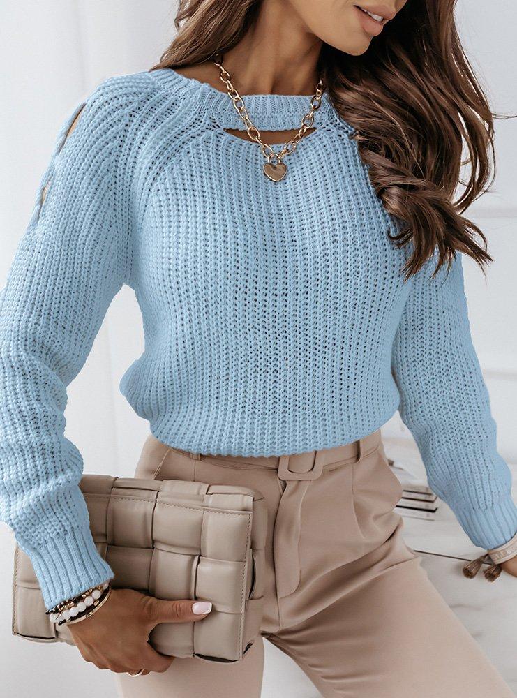 Niebieski sweter z wycięciami na...