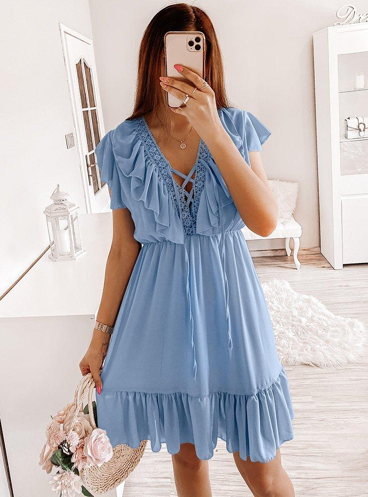 Błękitna sukienka z falbankami i wiązaniem Esma