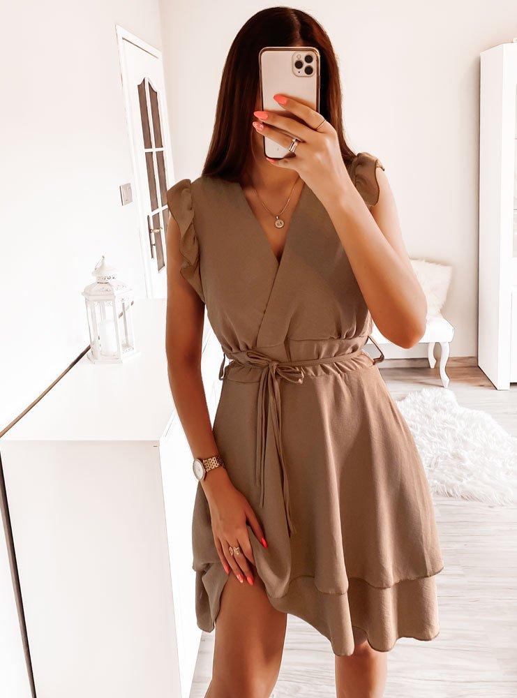 Karmelowa sukienka z falbankami Diki