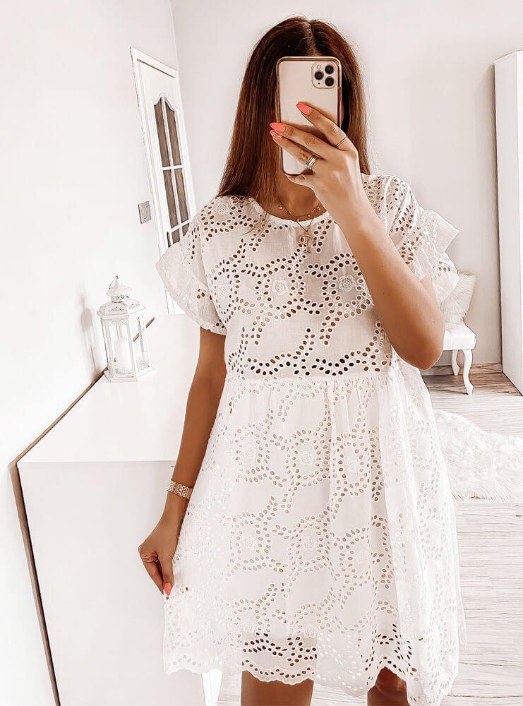 Biała ażurkowa sukienka Sirila