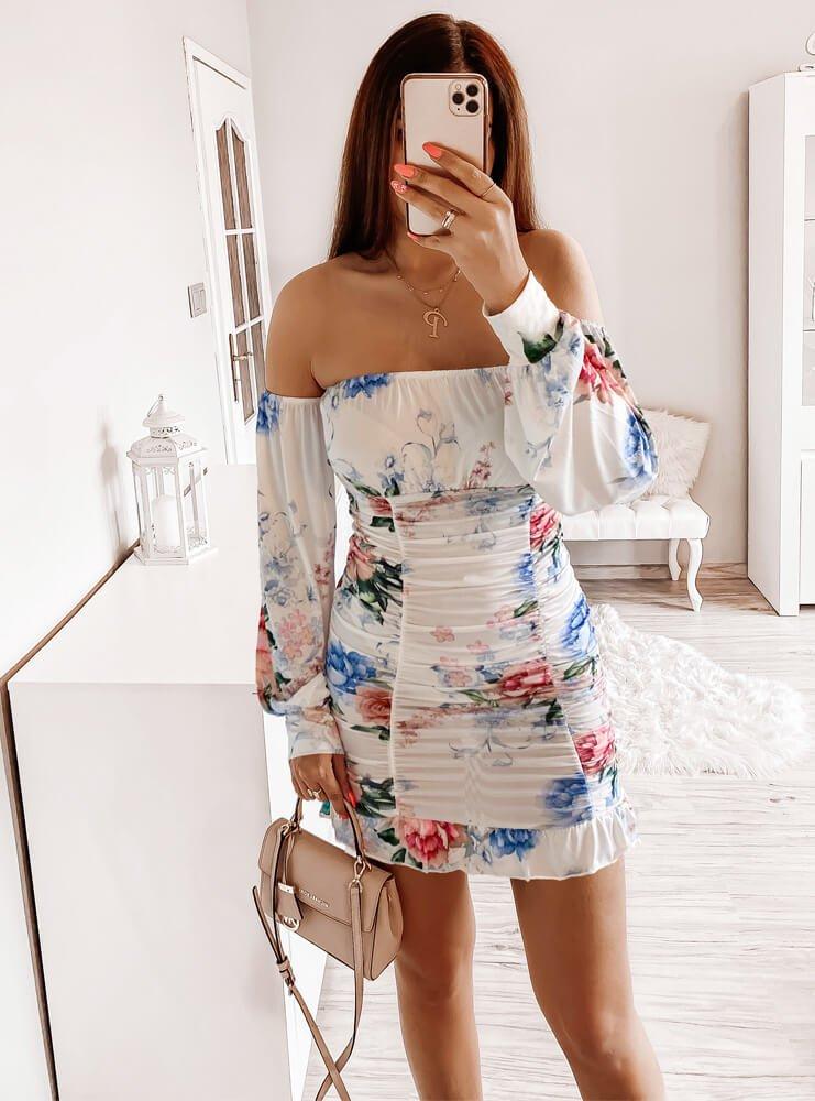 Biała sukienka z marszczeniami Sephora
