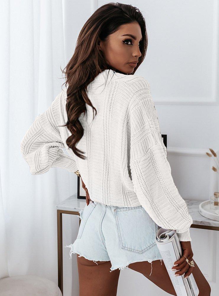 Sweter z ozdobnym splotem i guzikami...