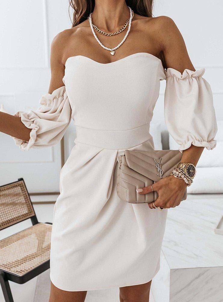 Jasnobeżowa sukienka z odkrytymi ramionami Rebi