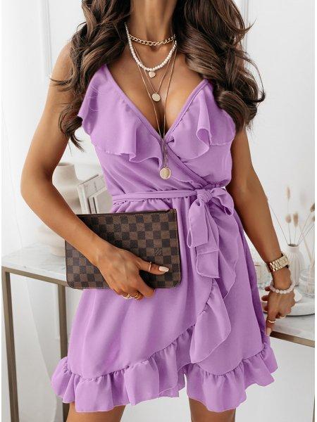 Liliowa sukienka z falbaną...