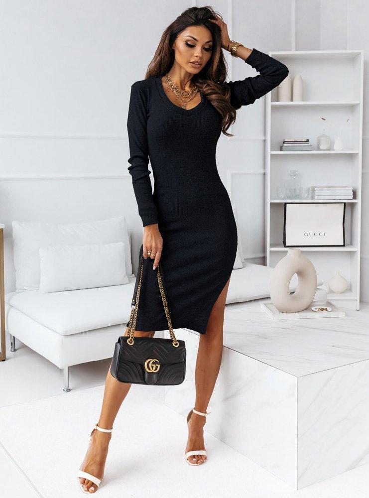 Czarna dopasowana sukienka prążkowana...