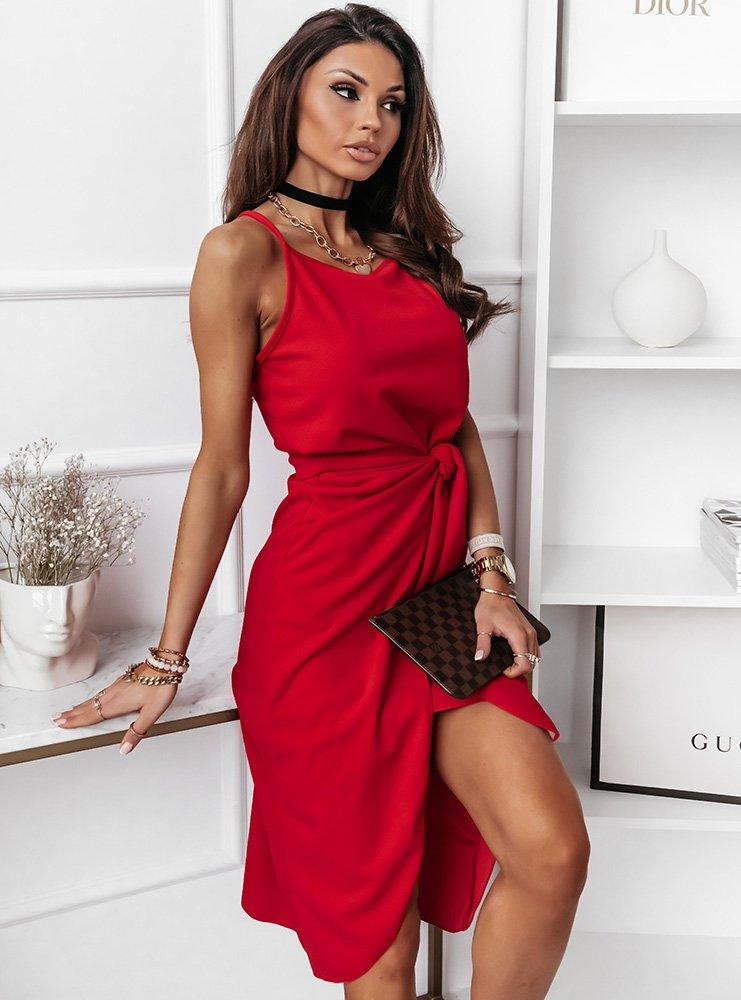 Malinowa sukienka na ramiączkach z...