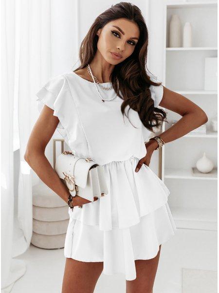 Biała sukienka z falbankami...