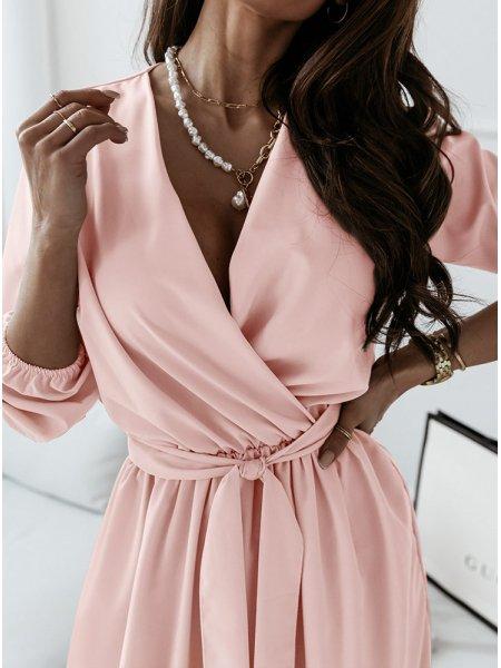 Pudrowa sukienka maxi z...