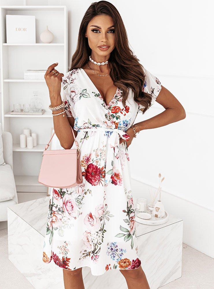 Biała wzorzysta sukienka w kwiaty...