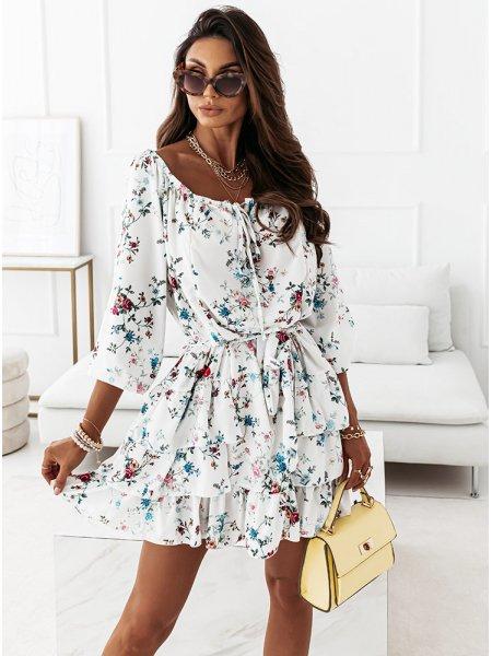 Wzorzysta sukienka...