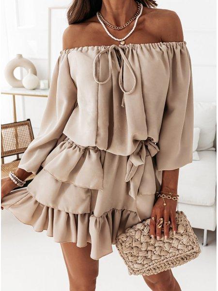 Jasnobeżowa sukienka...
