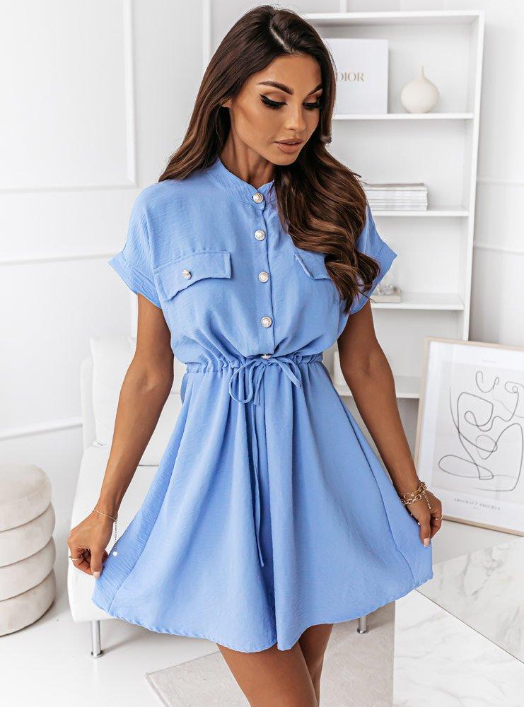 Błękitna sukienka z guziczkami i...