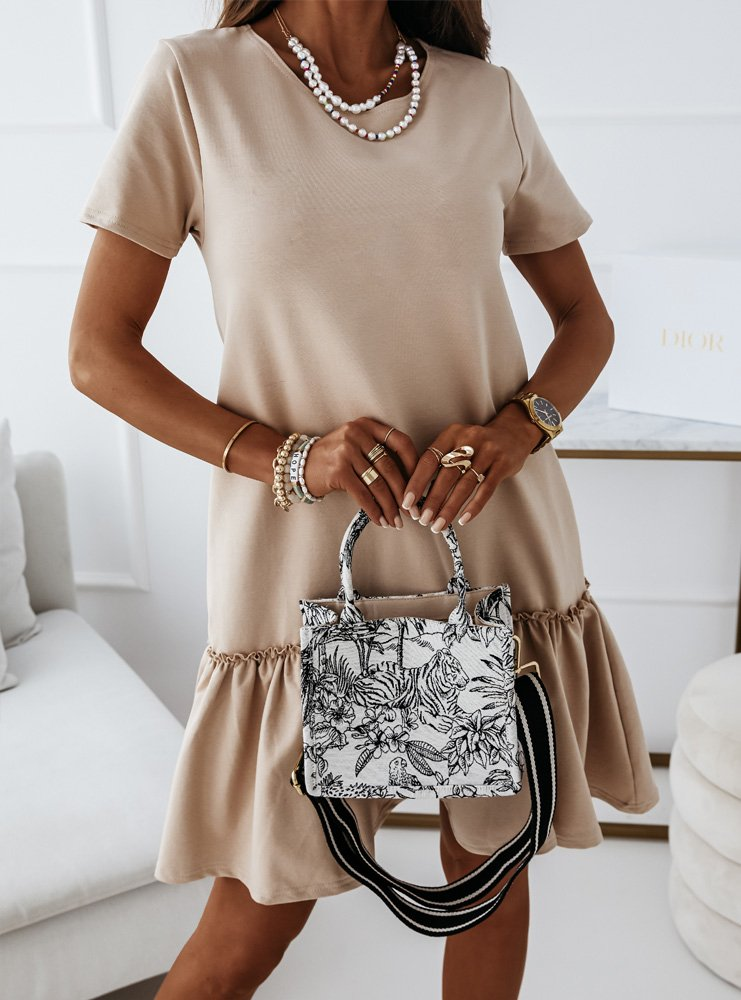 Trapezowa sukienka z falbanką Loria - latte