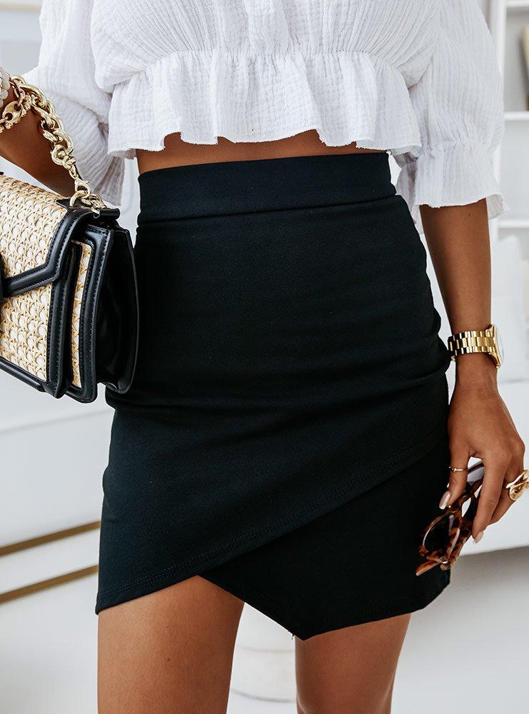 Czarna dopasowana spódniczka asymetryczna Ravoee
