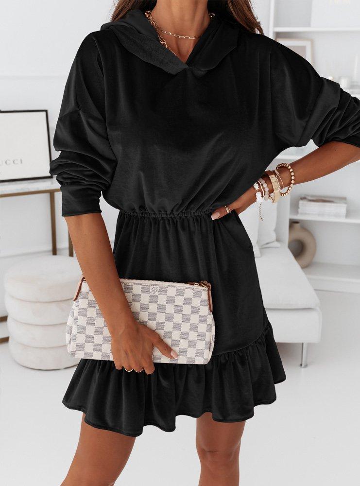 Czarna welurowa sukienka z kapturem...