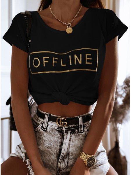 Czarna koszulka z modnym...