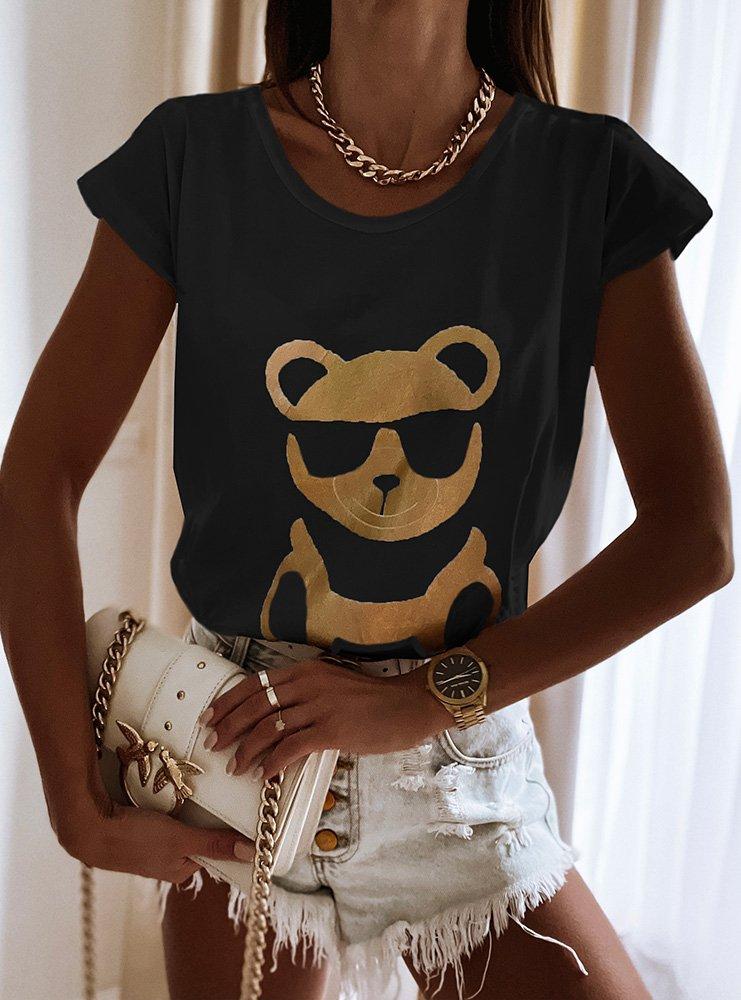 Czarna koszulka z modnym nadrukiem...