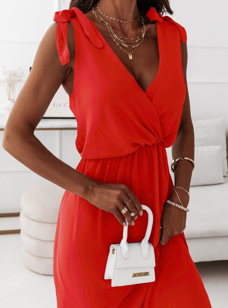Malinowa sukienka maxi na ramiączkach...