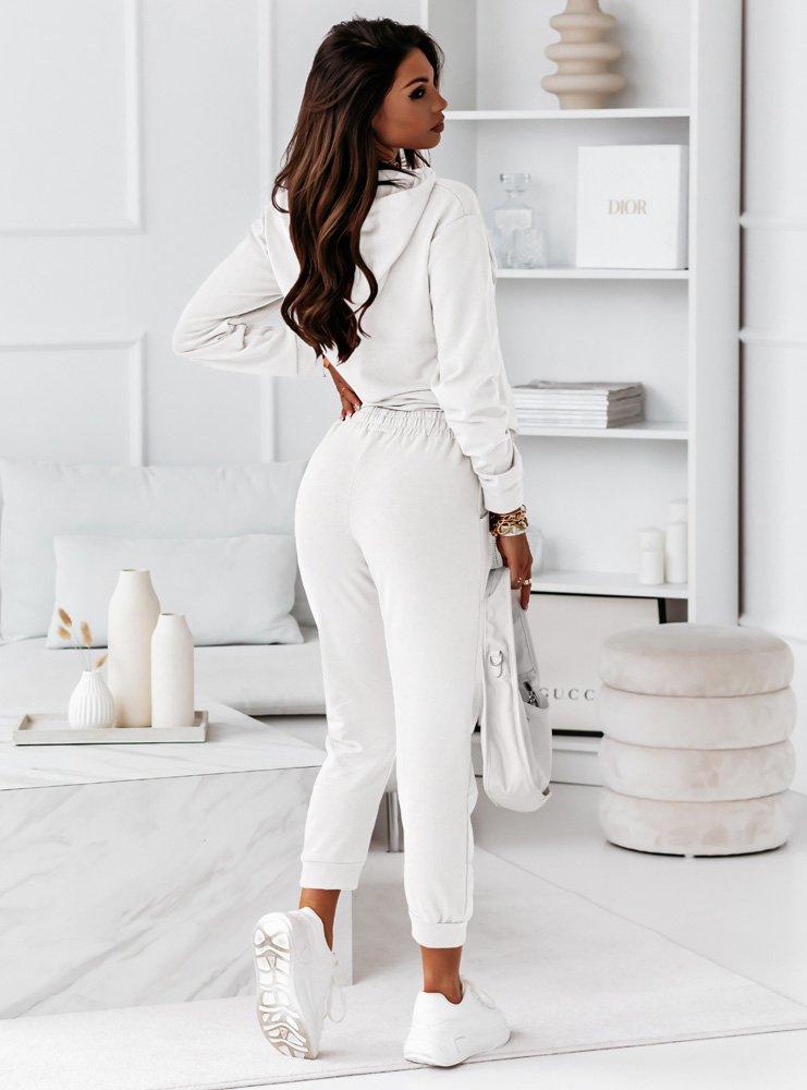 Biały komplet dresowy z nadrukiem Atirra