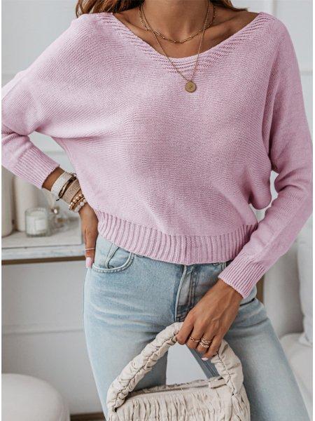 Pudrowy sweterek z ozdobnym...