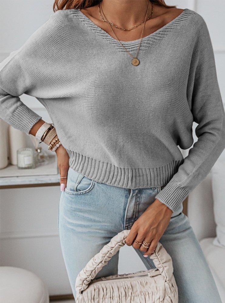 Szary sweterek z ozdobnym wiązaniem...