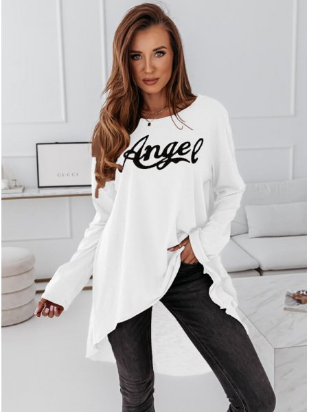 Biała bluzka z modnym...