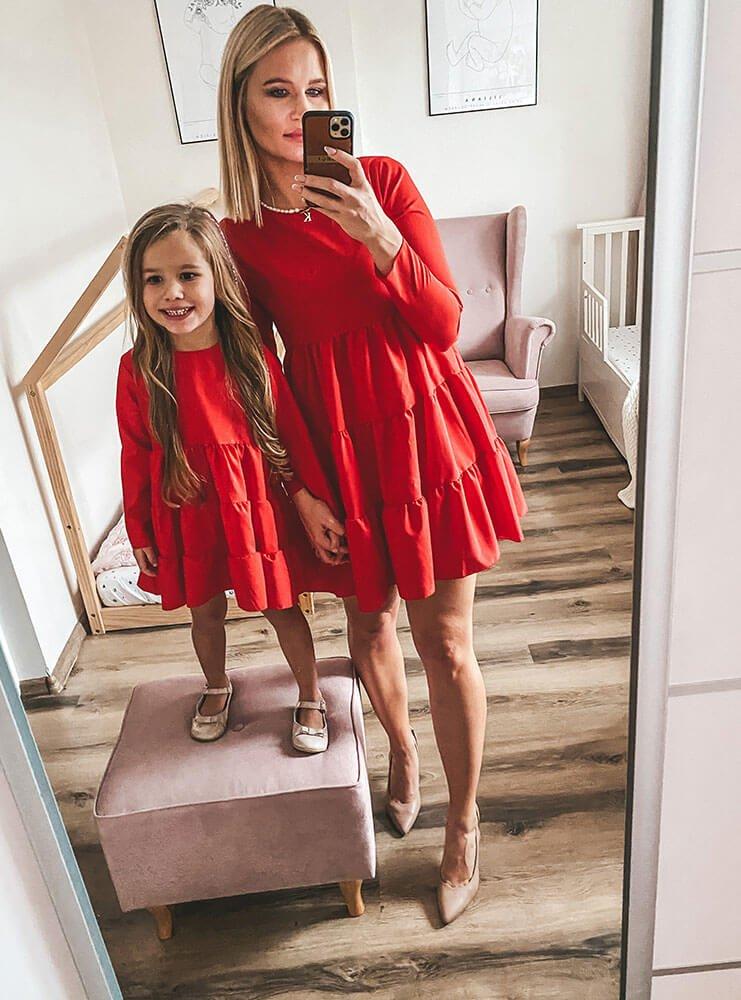 Malinowy zestaw trapezowych sukienek z falbankami mama i córka  Manikka