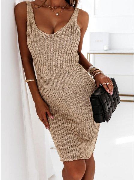 Złota dopasowana sukienka...