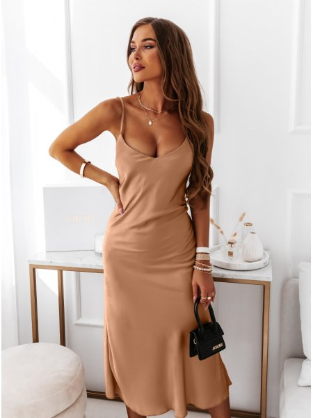 Karmelowa satynowa sukienka...