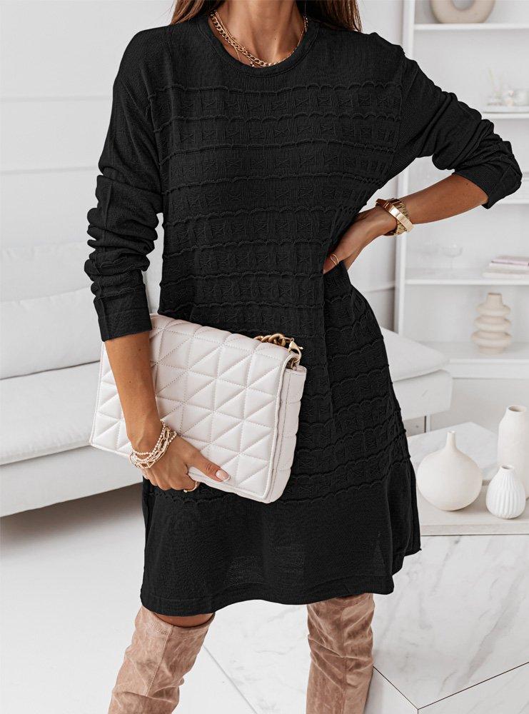 Czarna sweterkowa sukienka z ozdobnym...