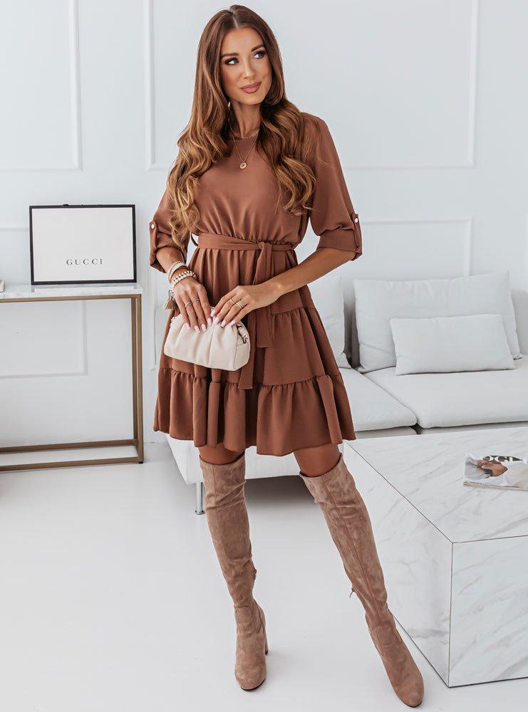 Karmelowa sukienka z falbankami Tinnko