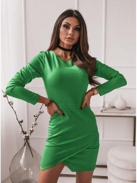 Zielona dopasowana sukienka...