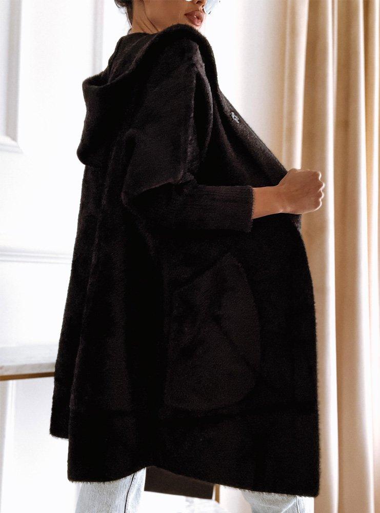 Czarny płaszczyk z alpaki z kapturem...