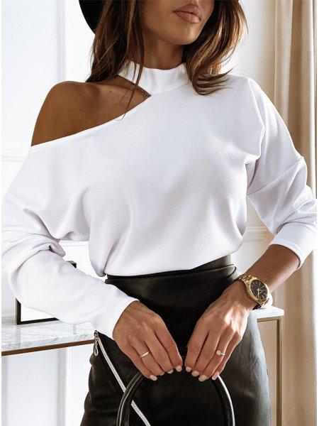 Biała bluzka z odkrytym...