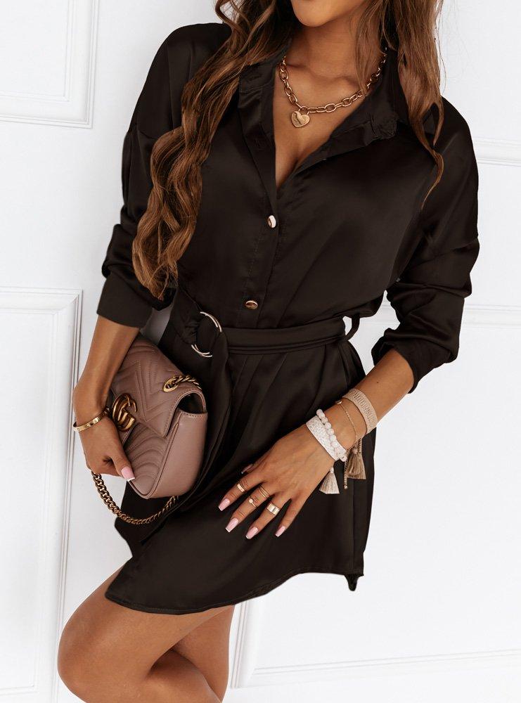 Czarna satynowa sukienka z paskiem Raina