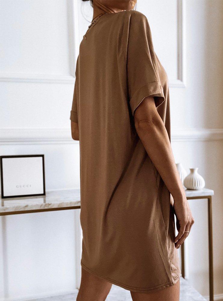 Beżowa logowana sukienka Wiktoriia