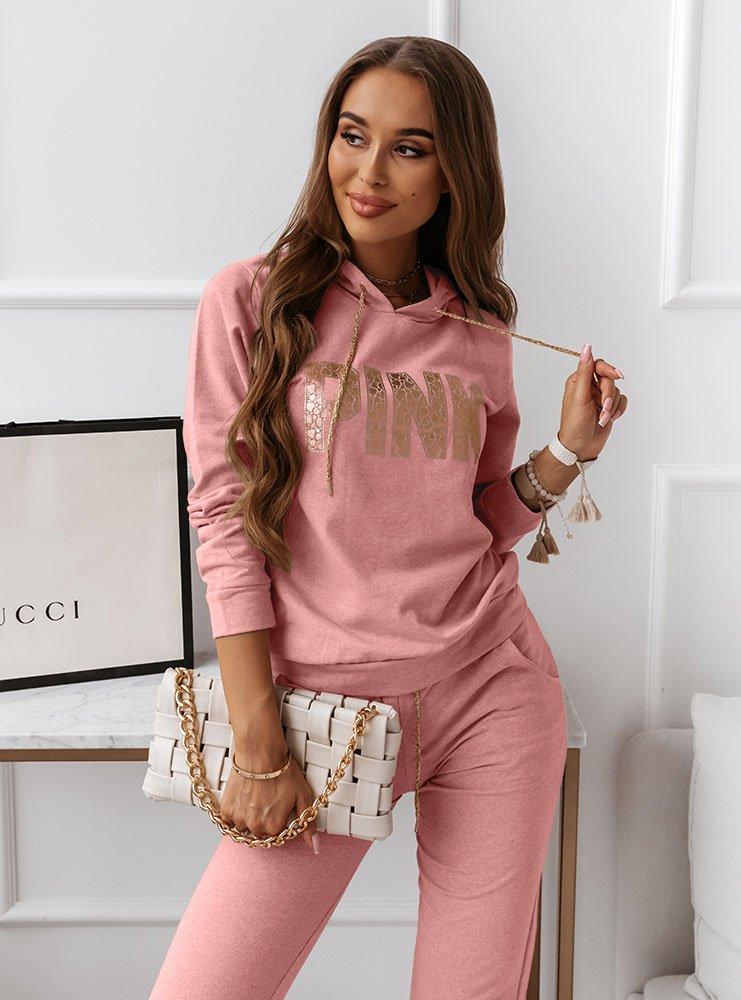 Różowy komplet dresowy z nadrukiem...