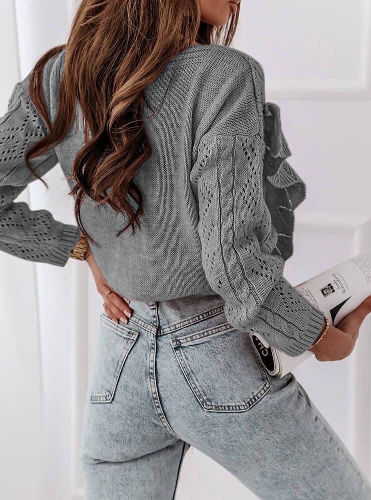 Szary sweterek rozpinany z falbankami...