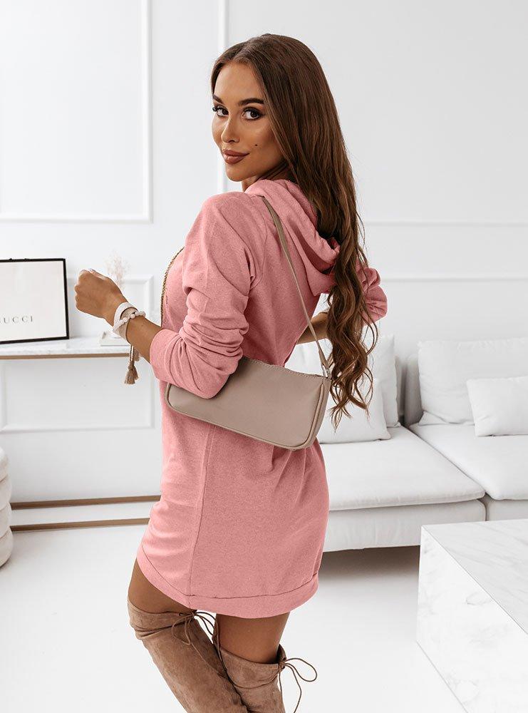 Różowa logowana sukienka sportowa...