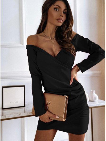Czarna sukienka przekładana...