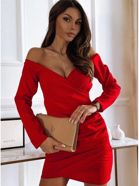 Malinowa sukienka...