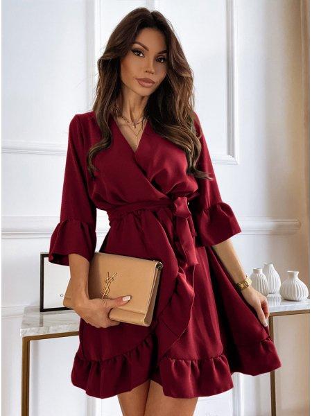 Bordowa sukienka z falbanką...