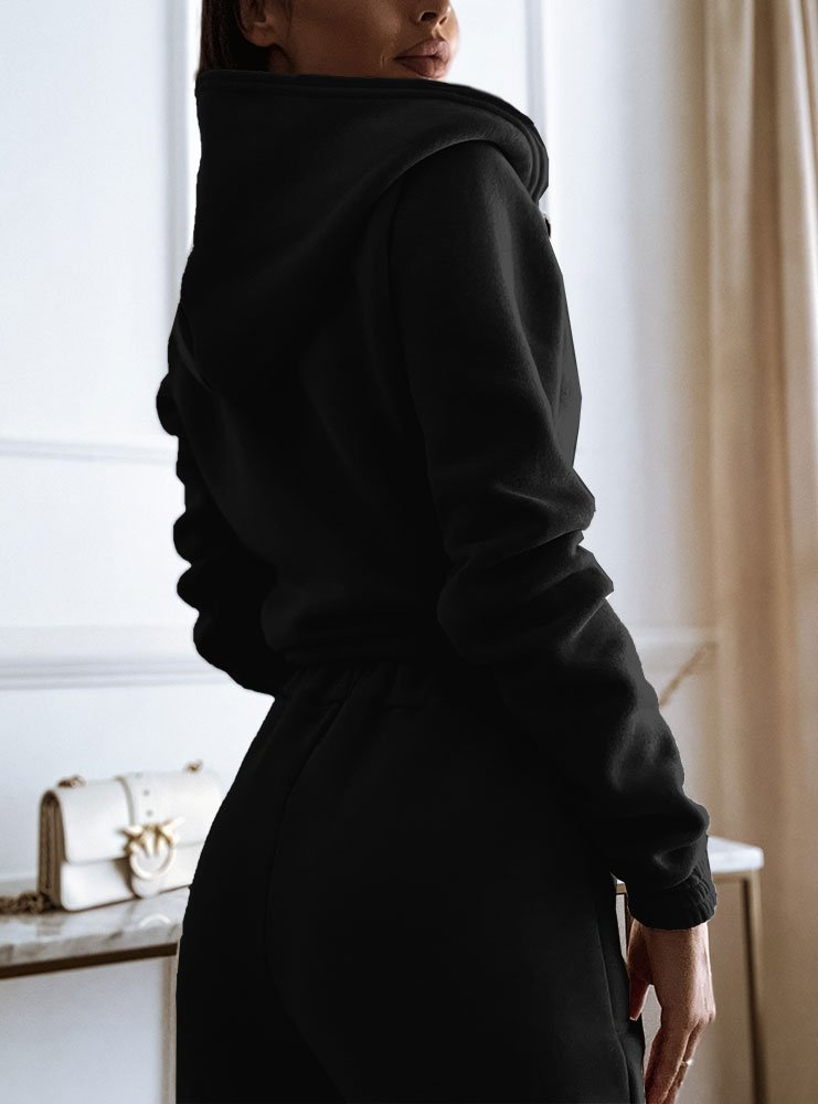 Czarny komplet dresowy z rozpinaną...