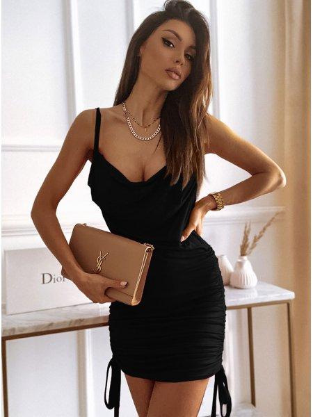 Czarna sukienka na...