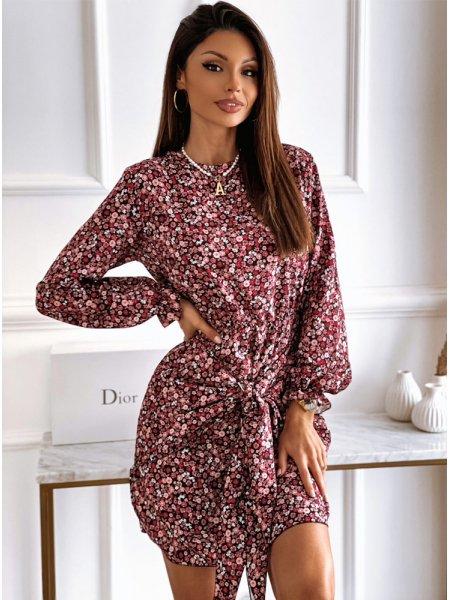 Malinowa sukienka w kwiatki...