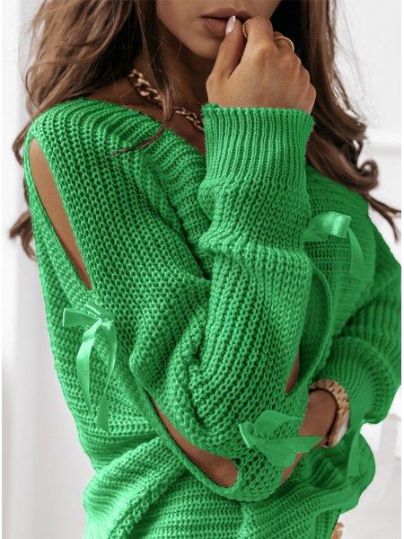 Zielony sweterek z...
